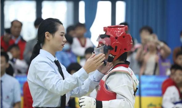 """2020年""""白沙杯""""粤桂琼跆拳道公开赛在白沙开赛"""